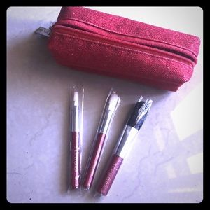 NWOT Sephora adorable red travel brush set